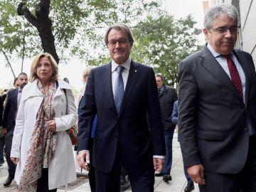 Artur Mas, Francesc Homs y Joana Ortega a su llegada al Tribunal de Cuentas
