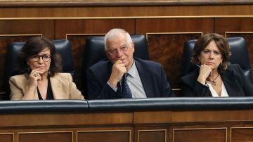 La vicepresidenta Carmen Calvo, el ministro de Asuntos Exteriores Josep Borrell, y la ministra de Justicia Dolores Delgado