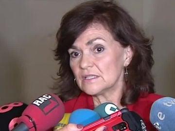Carmen Calvo habla ante los medios