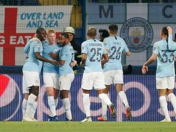 Los jugadores del City celebran un gol ante el Shakhtar