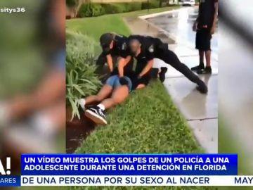 Dos policías reducen a golpes a una adolescente durante una detención en Florida