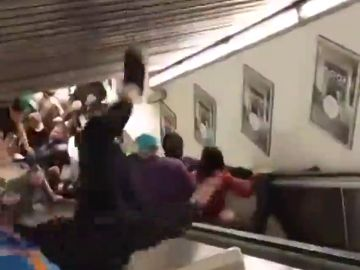 Varios aficionados del CSKA resultan heridos tras descontrolarse una escalera mecánica en el metro de Roma