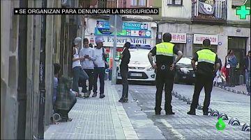 """Los vecinos de un barrio de Bilbao denuncian la inseguridad en sus calles: """"Roban las cámaras y los móviles a los turistas"""""""