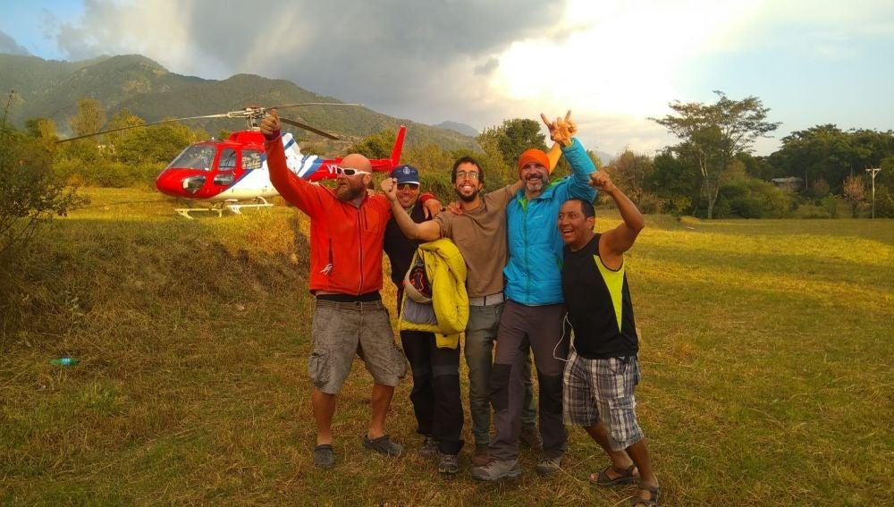 Los amigos de José Luis Bernal, contentos tras localizar al parapentista español