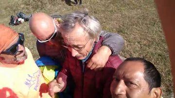 Rescatan en buen estado al parapentista español perdido durante cinco días en el Himalaya