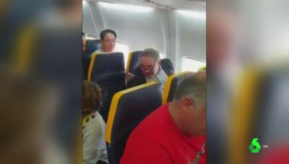 El pasajero que protagonizó el incidente racista