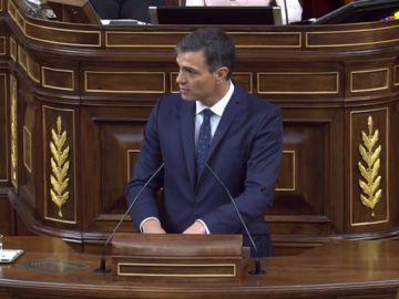 """Pedro Sánchez: """"El proyecto de Casado pasa por la derecha del señor Trillo, que dijo que el delito de rebelión se tiene que dar por militares o civiles armados"""""""