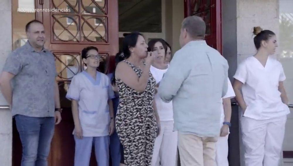 Estos son los escándalos que llevan a dimitir a la directora de las residencias de mayores que desenmascaró Chicote