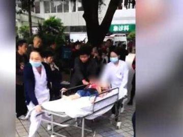 Menor herido tras el ataque de una mujer en las puertas de una guardería en China