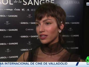 A Úrsula Corberó se le 'cae la baba' al hablar de su relación con Chino Darín