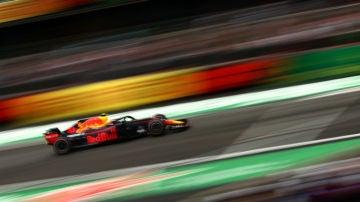 Verstappen rueda con el Red Bull