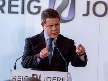 Emiliano García Page ante los medios de comunicación