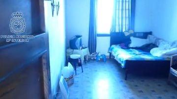 Infravivienda en la que vivían personas obligadas a prostituirse en Santiago