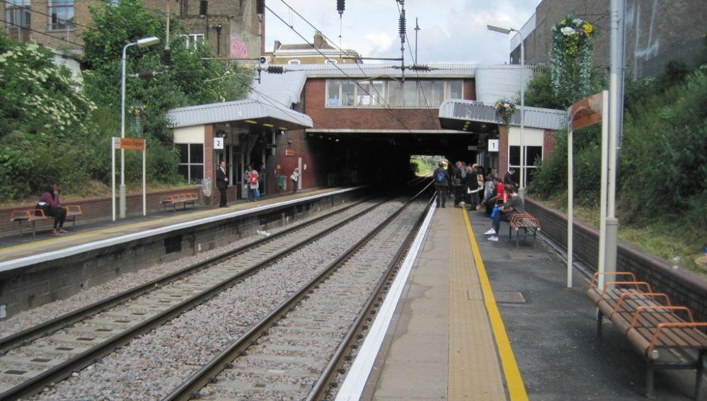 Agredida en un tren de Londres por hablar español