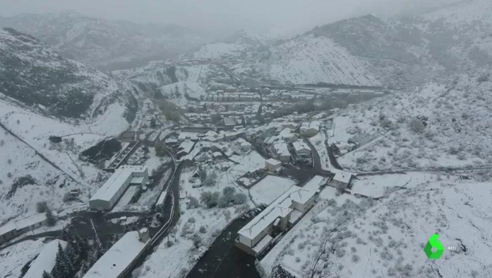 Impresionantes imágenes del puerto de Pajares después de la gran nevada
