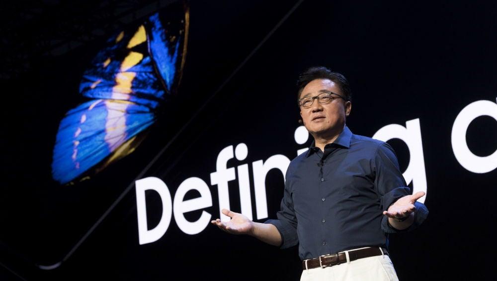 Samsung revela el Galaxy Fold, su nuevo smartphone con pantalla flexible