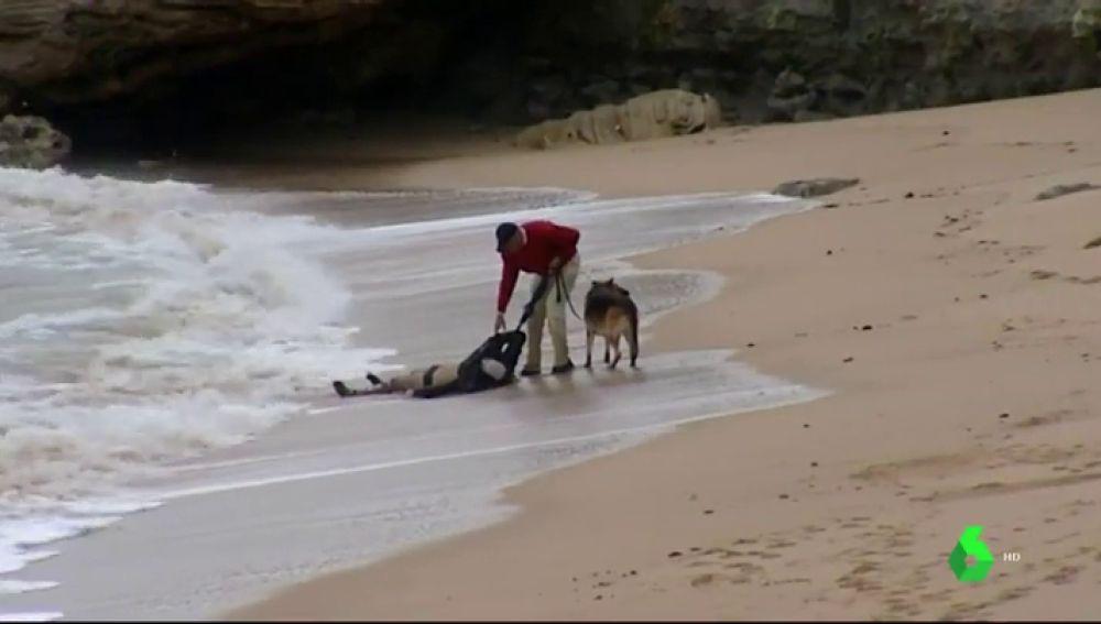 Encuentran el cuerpo de otra persona ahogada de la patera que naufragó en Cádiz