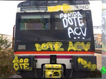 Los grafiteros vuelven a actuar: sus pintadas impiden que un tren circule por falta de visibilidad