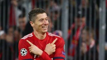 Lewandowski celebra un gol