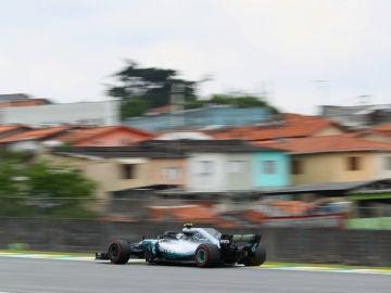 Bottas rueda en Interlagos
