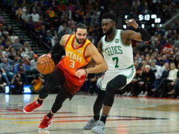Ricky Rubio, en acción ante los Celtics