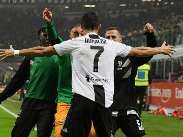 Cristiano Ronaldo celebra su gol ante el Milan