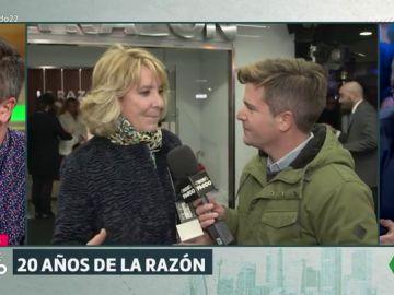 Luis Troya la lía parda en el vigésimo aniversario de La Razón