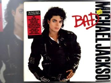 Imagen de la chaqueta de Michael Jackson que ha sido subastada