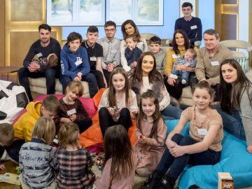 Imagen de la familia más numerosa de Reino Unido