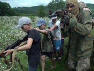 Campamentos ultranacionalistas en Ucrania