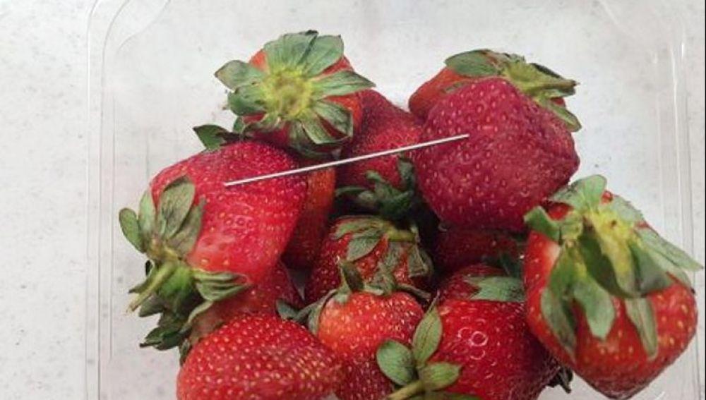 Algunas de las fresas saboteadas en Australia