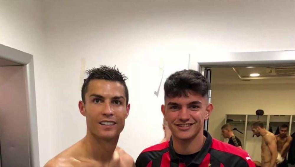 El 'photobomb' involuntario de Chiellini a la foto de Crisitano Ronaldo: se le veía todo