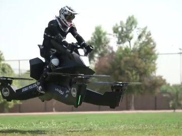 Así funcionan las motos voladoras con las que patrullará la Policía de Dubái en 2020