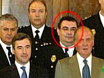 El comisario García Castaño, colaborador de Villarejo, guarda papeles sensibles de Cospedal, Sáenz de Santamaría y Arenas