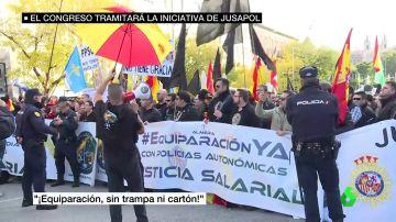 Protestas a las puertas del Congreso para pedir la equiparación salarial