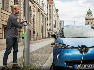 Los coches eléctricos podrán recargarse en farolas públicas gracias al proyecto Remora