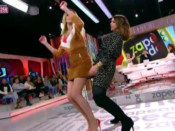 Anna Simon y Chenoa se retan a bailar en Zapeando