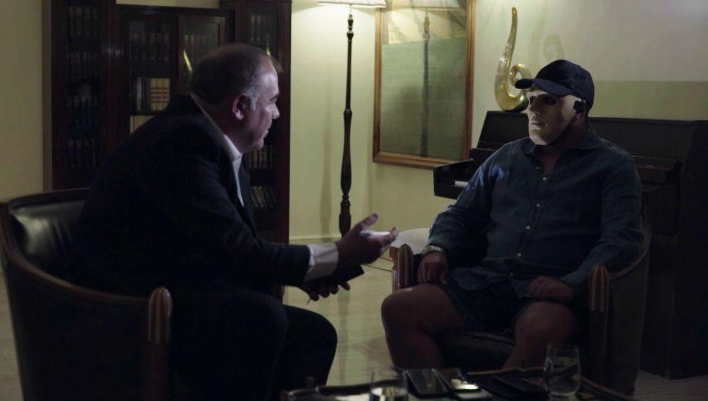 Antonio García Ferreras habla con Maxi, jefe de una banda de narcos