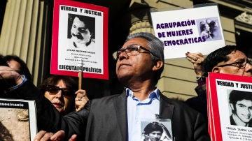 Condenan a 53 agentes de la dictadura de Pinochet por ejecutar a nueve opositores en 1976
