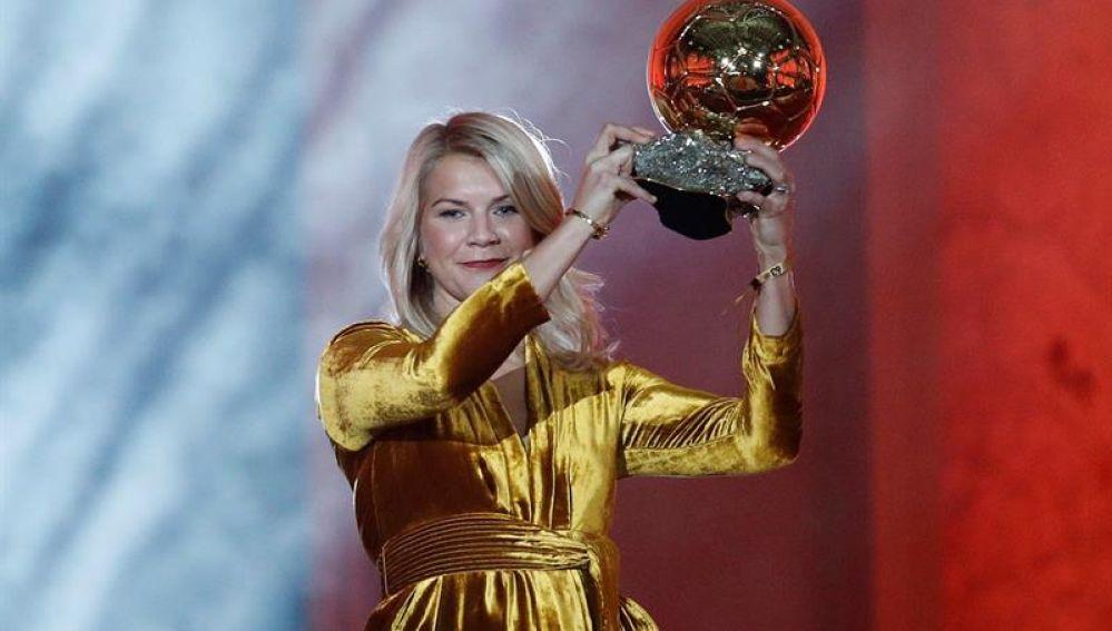 La ganadora del Balón de Oro no jugará el Mundial Femenino