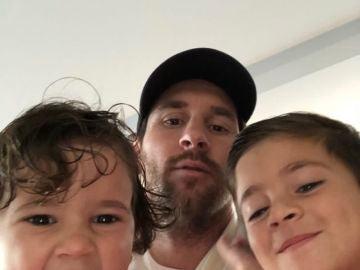 Messi y sus hijos Thiago y Mateo