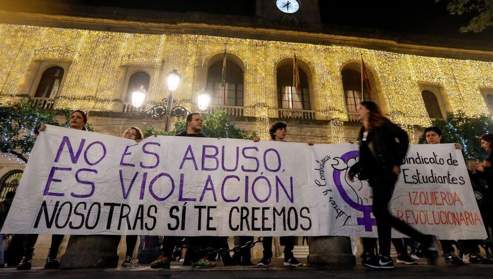 Organizan diversas concentraciones en repulsa a la sentencia de 'La Manada' y para apoyar a la víctima