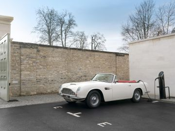 Aston Martin Heritage Concept EV