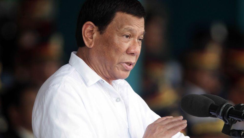 Presidente de Filipinas contra los obispos católicos: