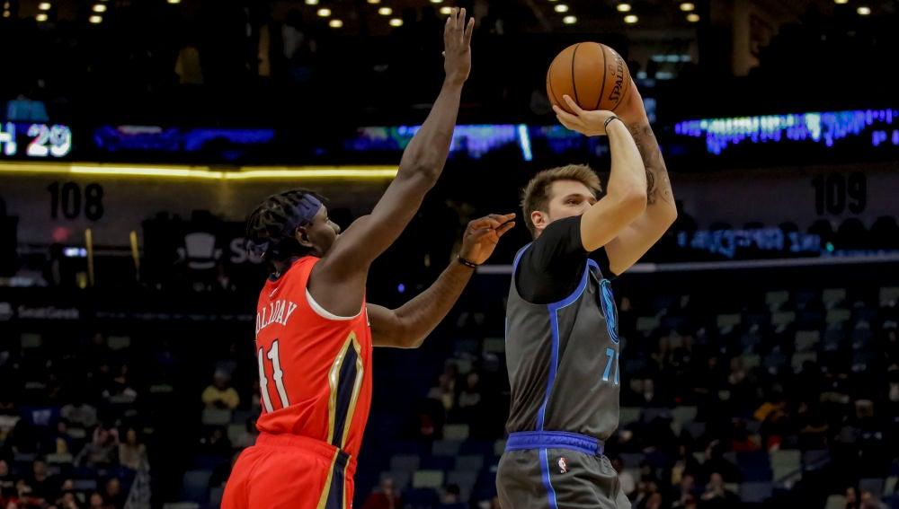 Luka Doncic en el partido Pelicans vs Mavericks