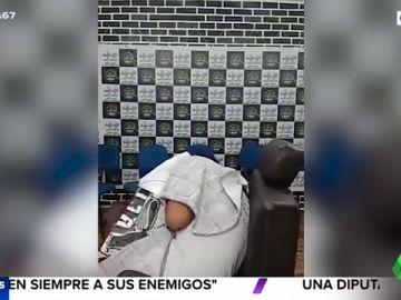 El vídeo del ensañamiento a balazos a un menor de 13 años en una peluquería de Brasil