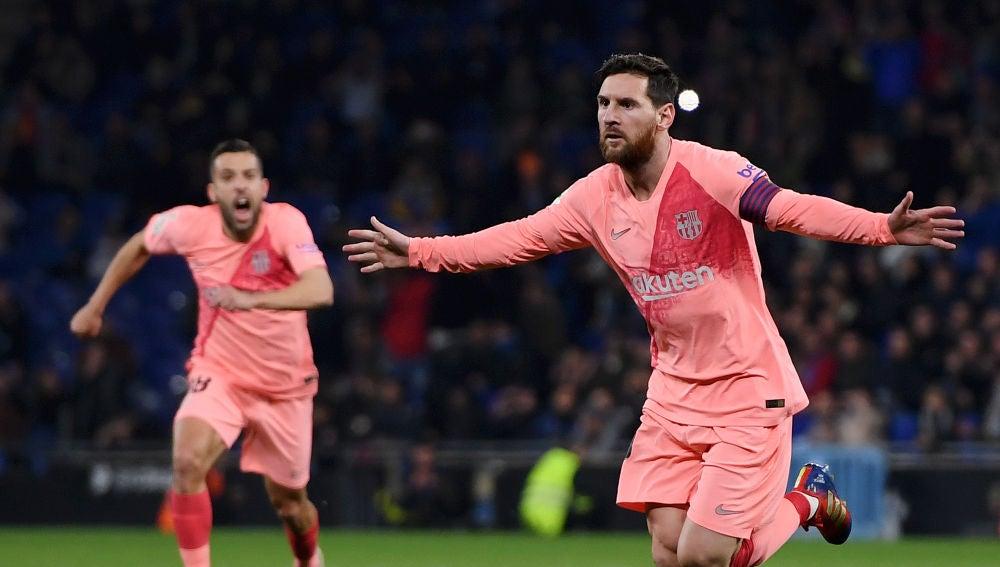 Leo Messi celebra su gol con el Barcelona