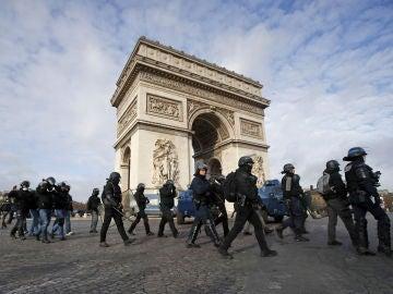 París cierra sus atracciones turísticas de cara a una nueva jornada de disturbios de los 'chalecos amarillos'