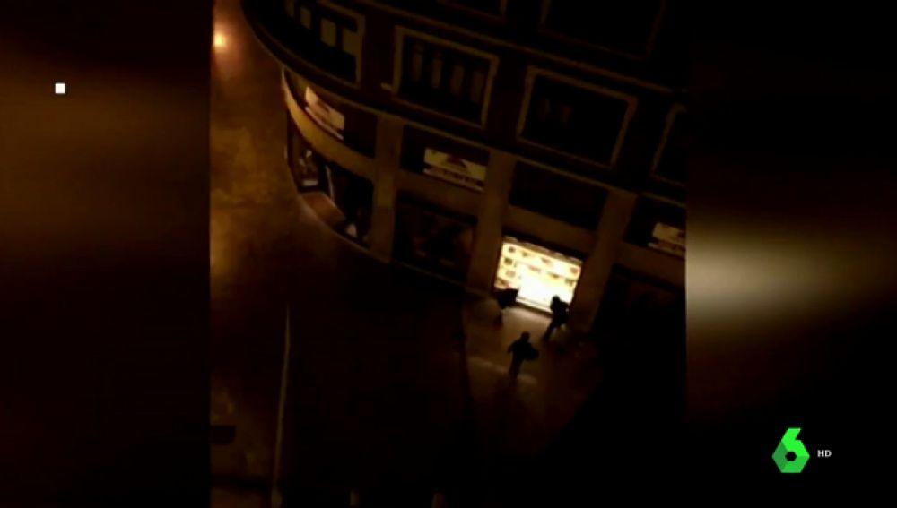 Tres detenidos en Valencia tras robar a mazazos en una tienda de lujo