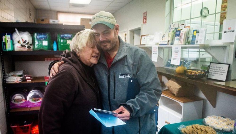 Kevin Booth en el banco de alimentos